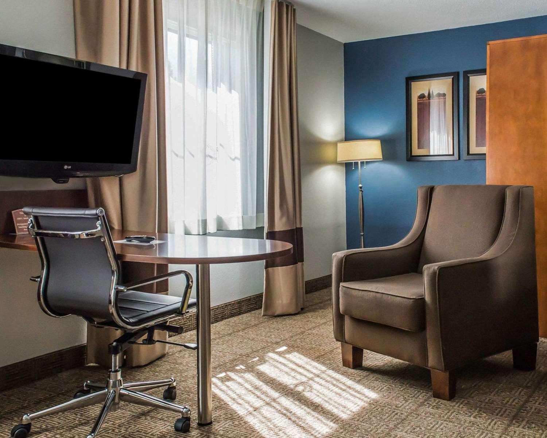 Room - Comfort Inn Belle Vernon