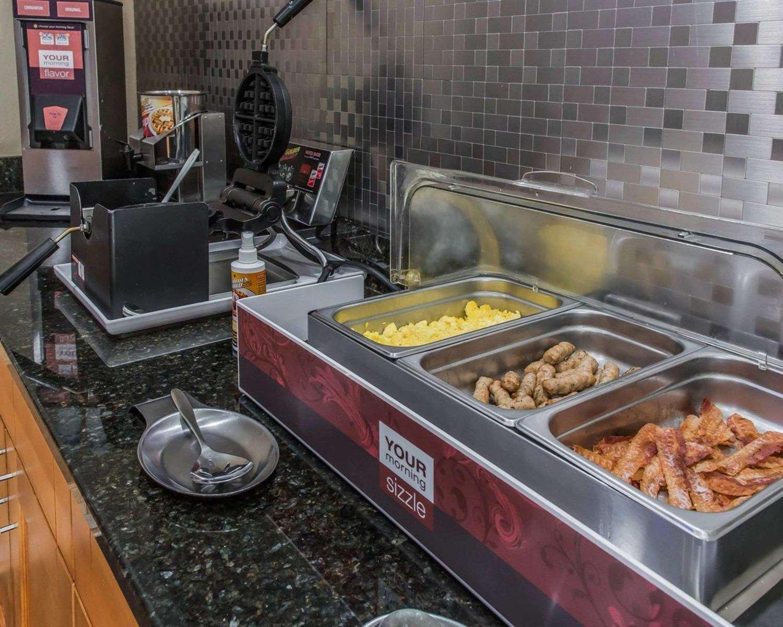 Restaurant - Comfort Inn Belle Vernon