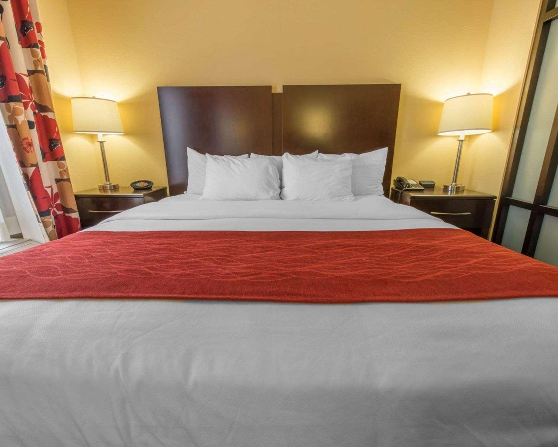 Room - Comfort Suites Altoona
