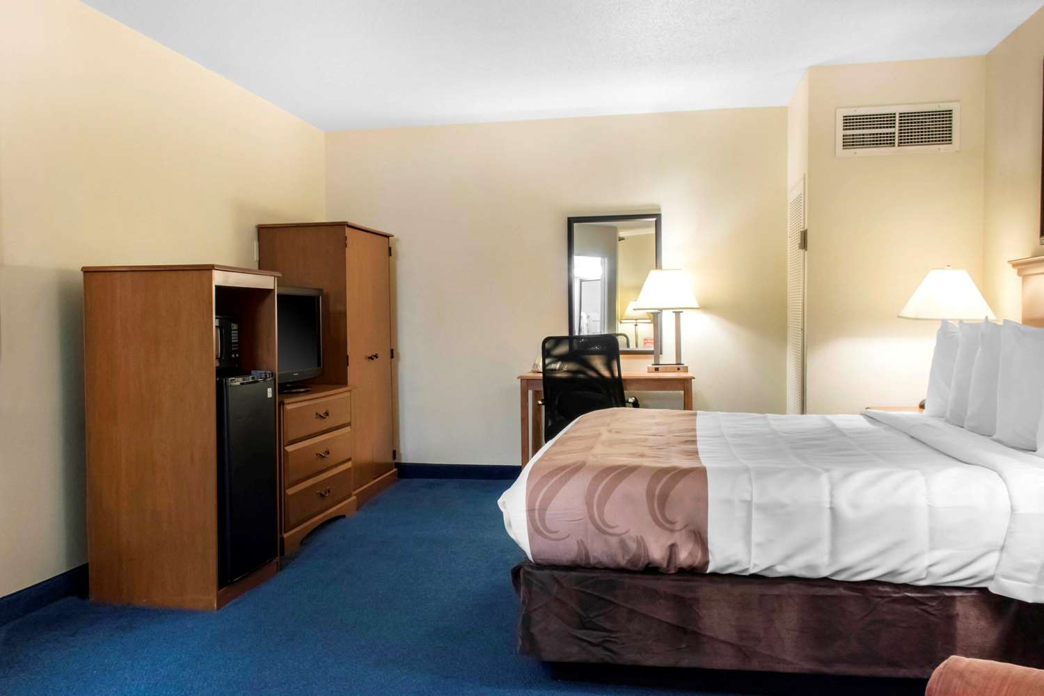 Room - Quality Inn State College