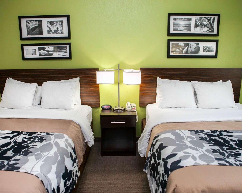 Room - Sleep Inn & Suites Harrisburg