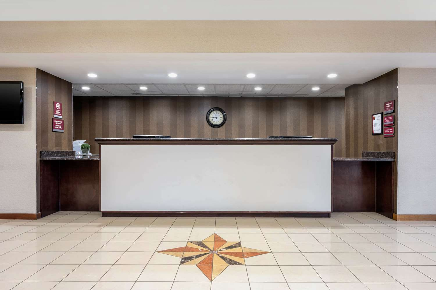 Lobby - Clarion Hotel & Conference Center New Cumberland