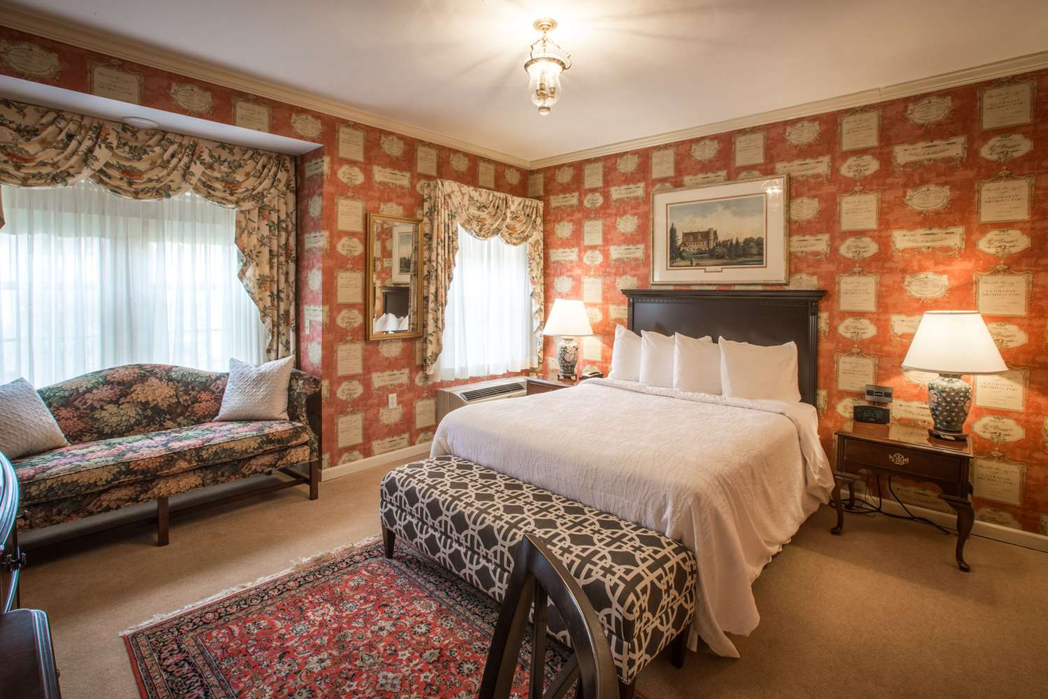 Room - Carnegie House Hotel State College
