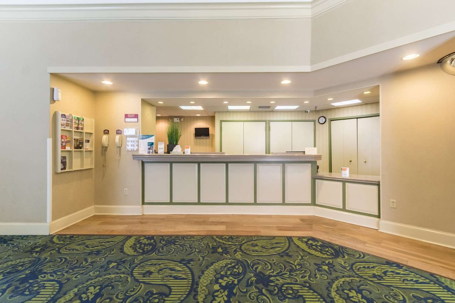 Lobby - Quality Inn & Suites West Chester