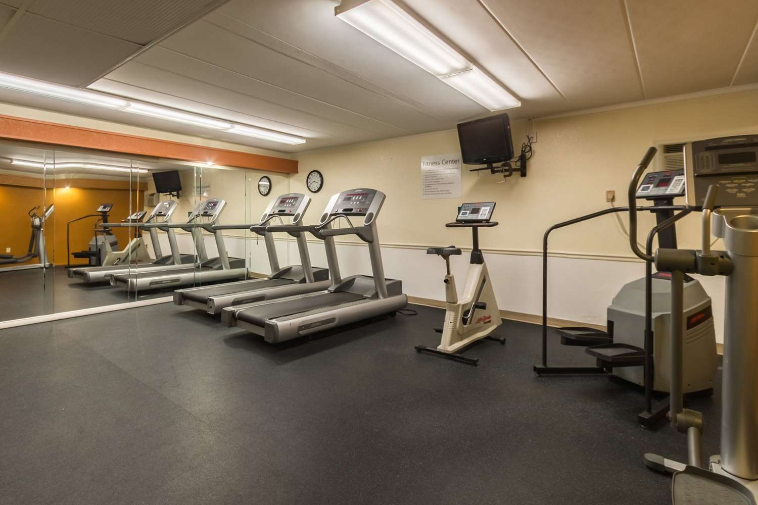 Fitness/ Exercise Room - Quality Inn & Suites West Chester