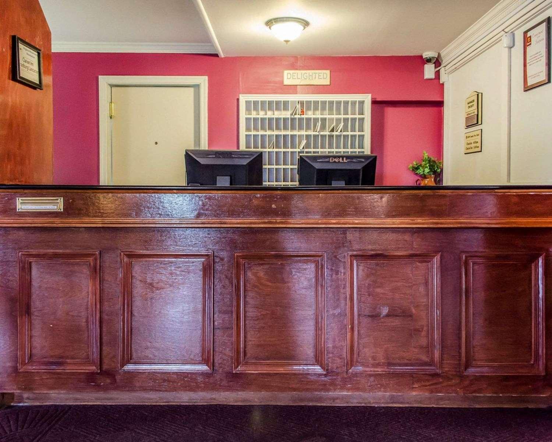 Lobby - Clarion Inn Historic Strasburg