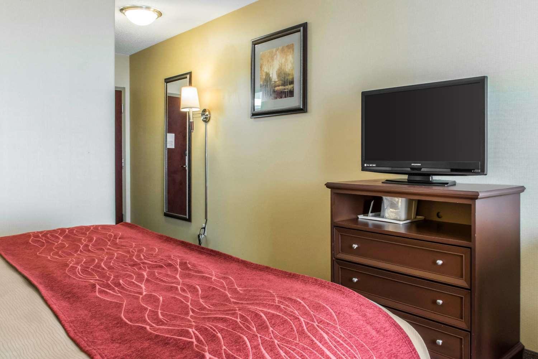 Room - Comfort Inn Mifflinville