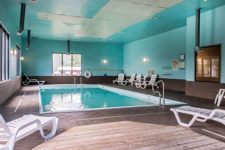 Pool - Comfort Inn Mifflinville