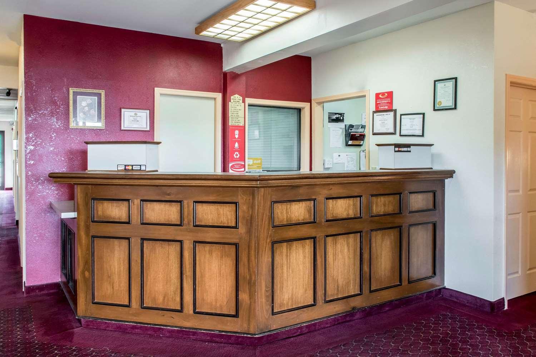 Lobby - Econo Lodge Northwest Carlisle
