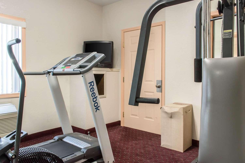Fitness/ Exercise Room - Econo Lodge Northwest Carlisle