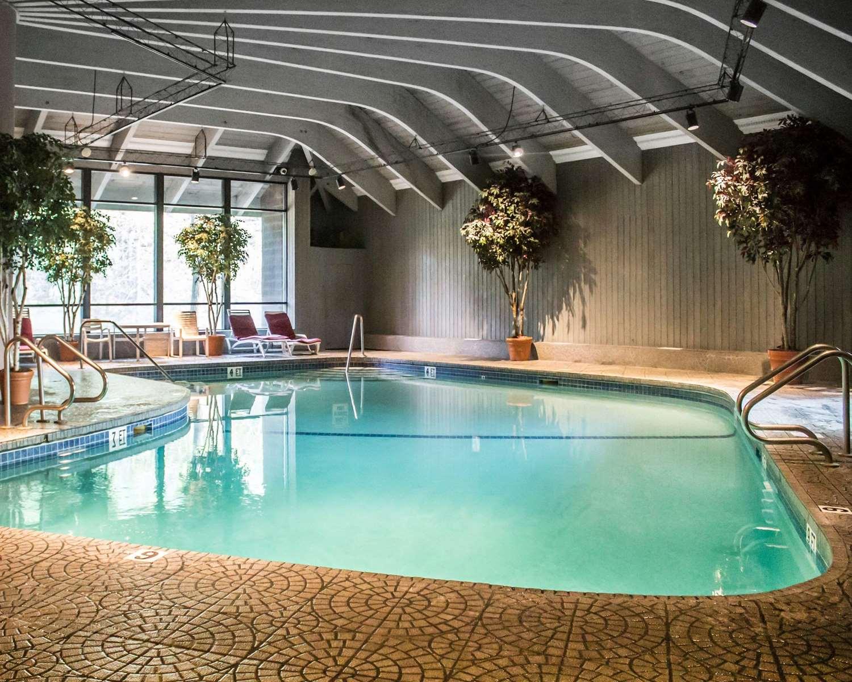 Pool - Woodlands Inn & Resort Wilkes-Barre
