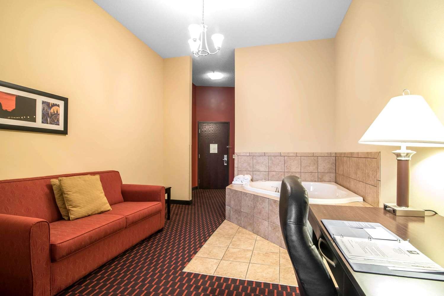 Suite - Comfort Inn & Suites Tunkhannock