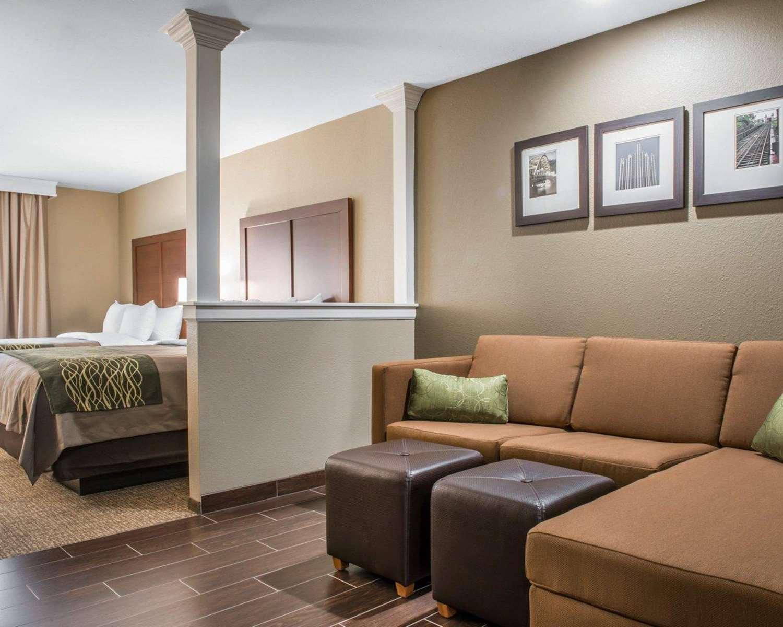 Suite - Comfort Inn & Suites Pittsburgh
