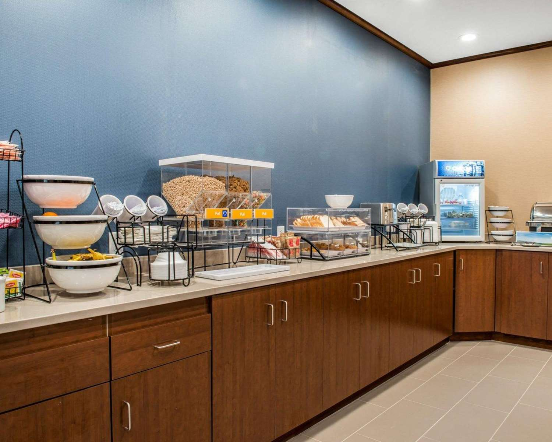 Restaurant - Comfort Inn & Suites Pittsburgh