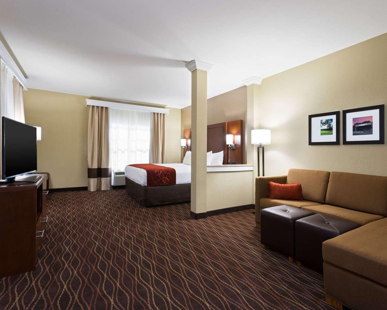Room - Comfort Suites Dubois