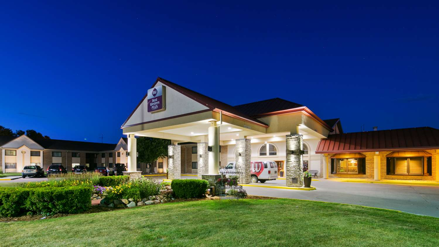 Exterior view - Best Western Plus Ramkota Hotel Sioux Falls