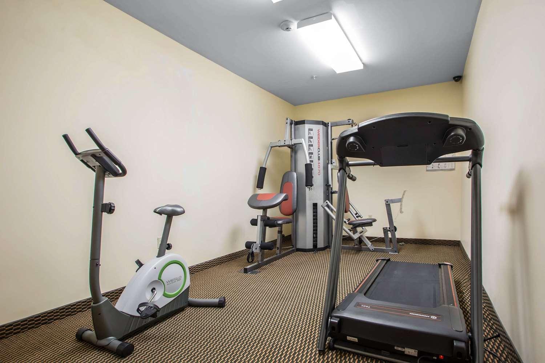 Fitness/ Exercise Room - Econo Lodge Union Deposit Harrisburg