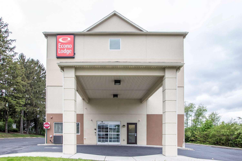 Exterior view - Econo Lodge Union Deposit Harrisburg