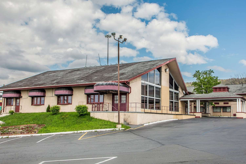 Exterior view - Econo Lodge Breezewood