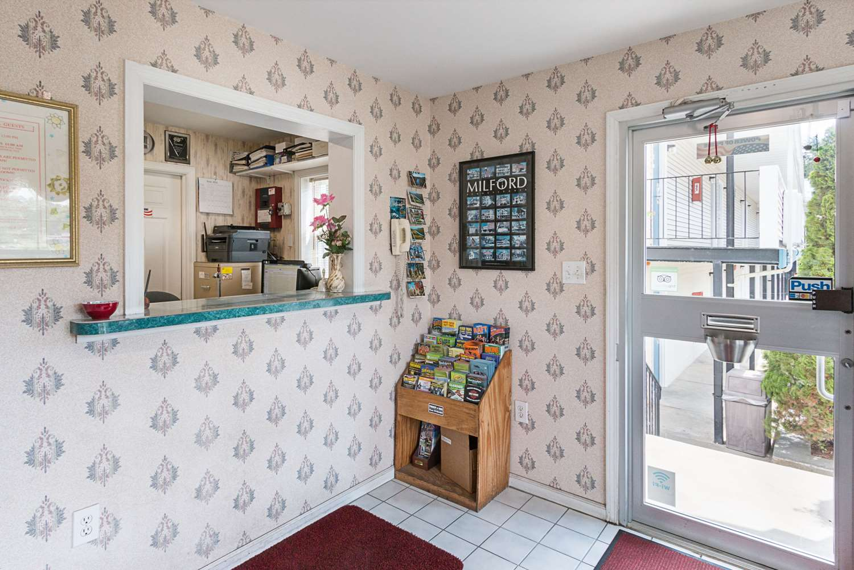 Lobby - Rodeway Inn Milford