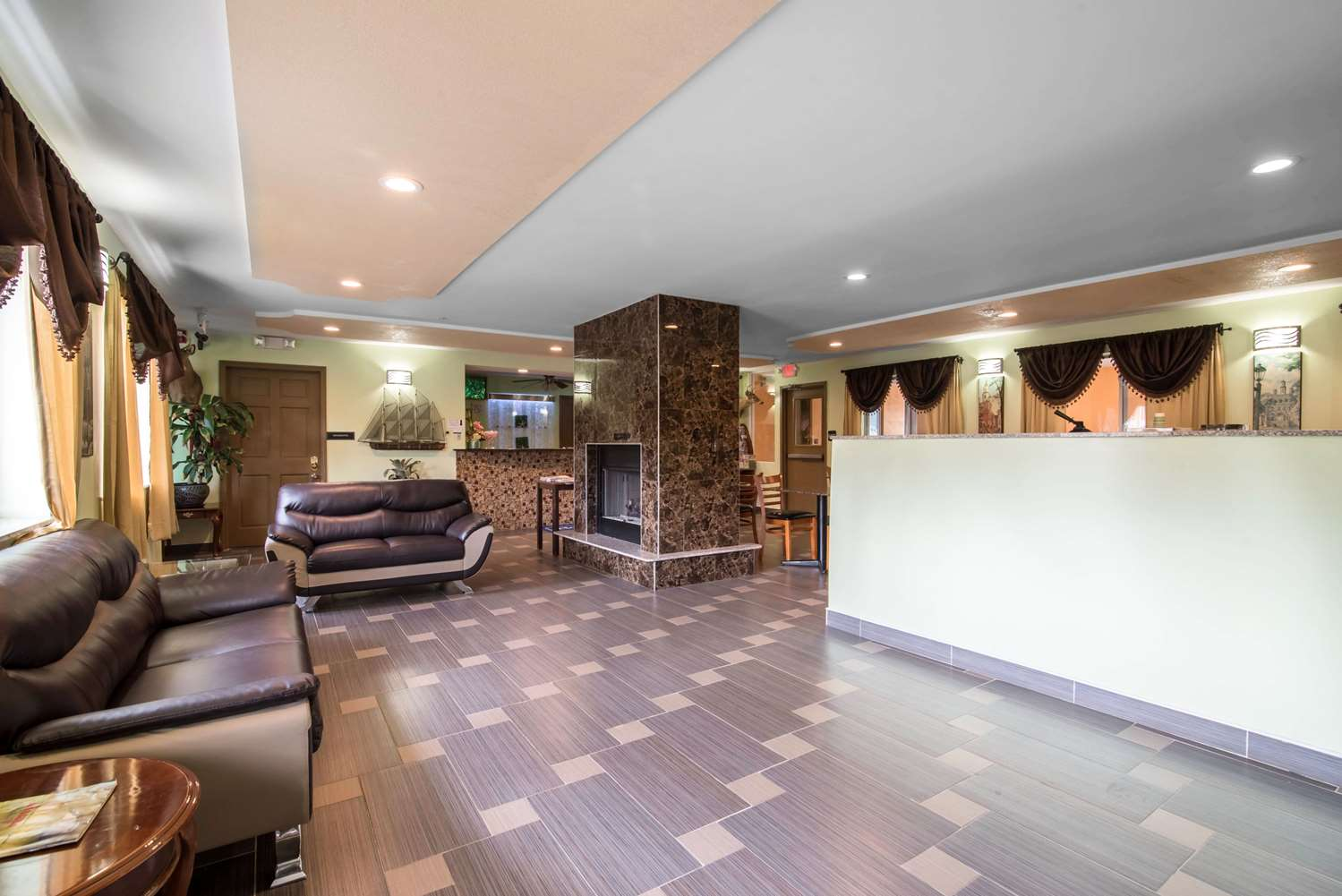 Lobby - Rodeway Inn Towanda