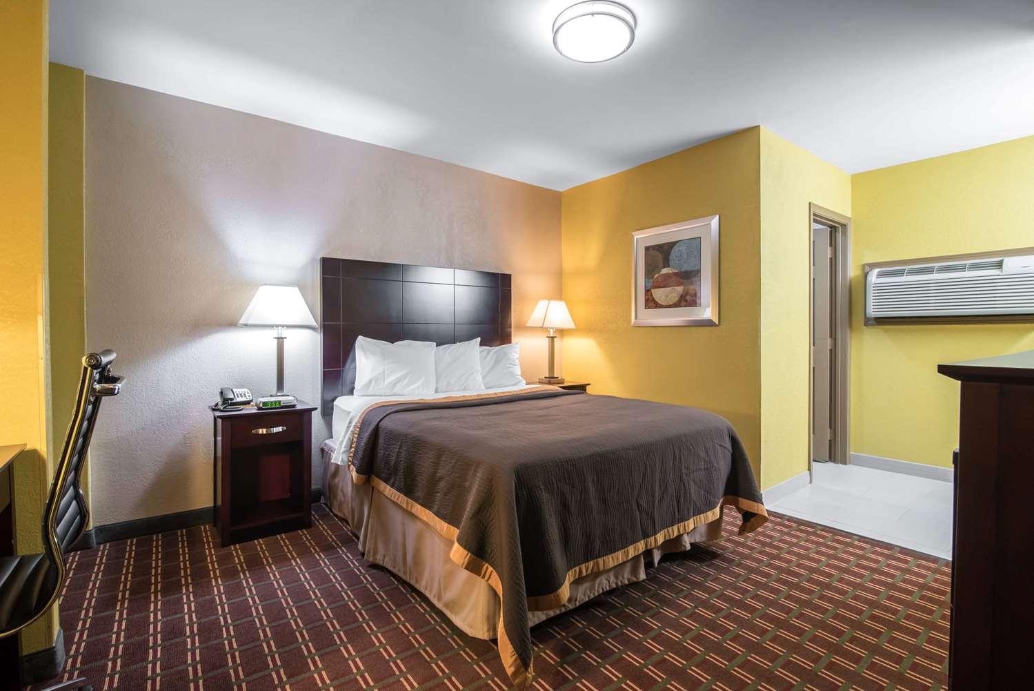 Room - Rodeway Inn Towanda