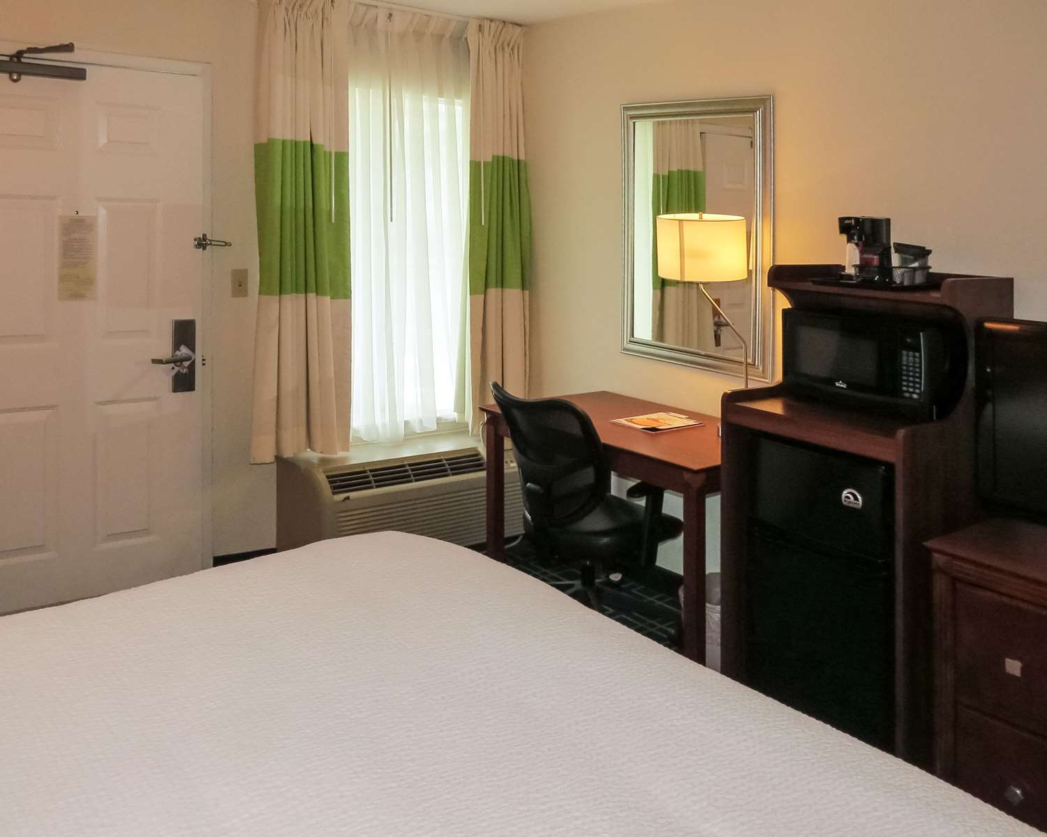 Room - Quality Inn Cranberry Township