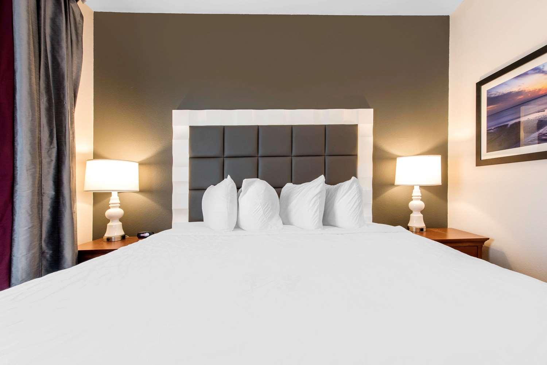 Room - Solstice Hotel Erie