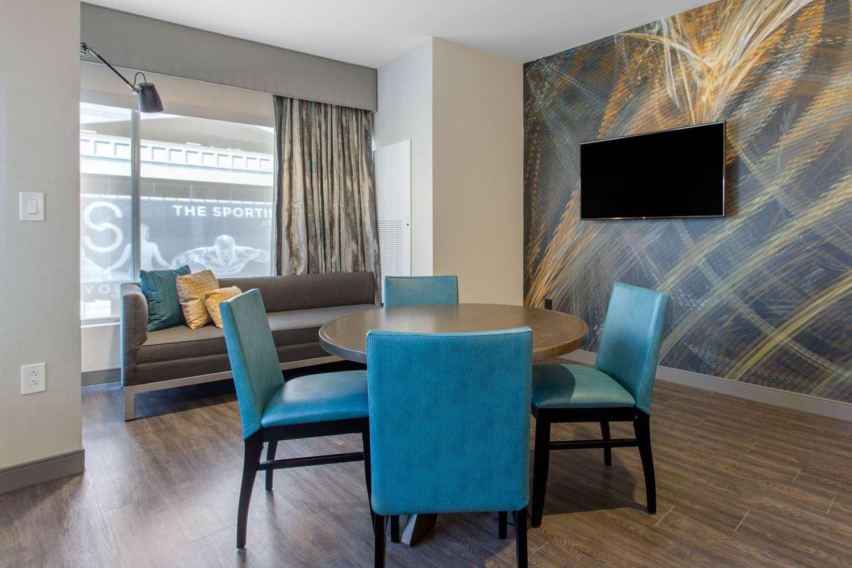 Room - Cambria Hotel & Suites Philadelphia