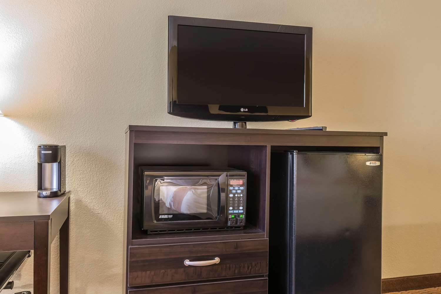 Suite - Quality Inn & Suites Harmarville