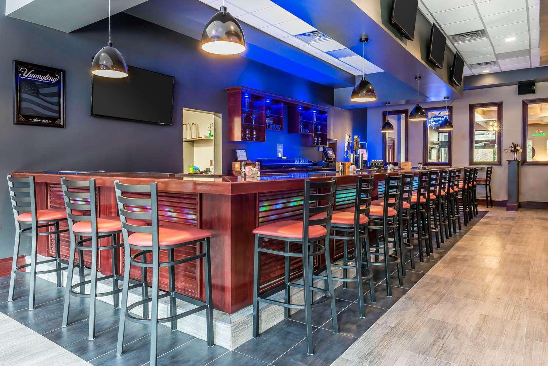 Restaurant - Clarion Inn Belle Vernon