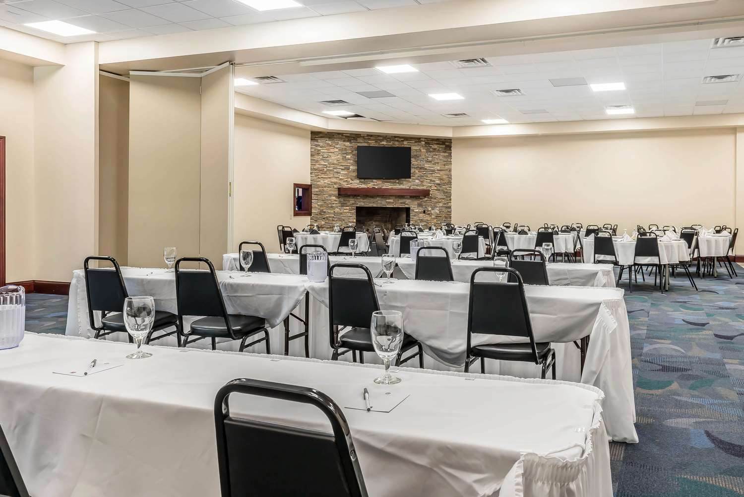 Meeting Facilities - Clarion Inn Belle Vernon