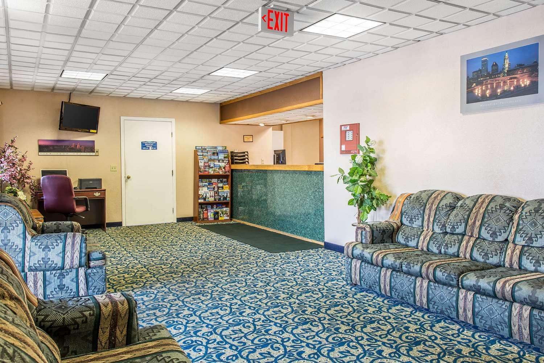 Lobby - Econo Lodge Cranston