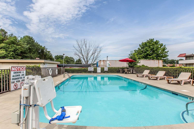Pool - Quality Inn Easley
