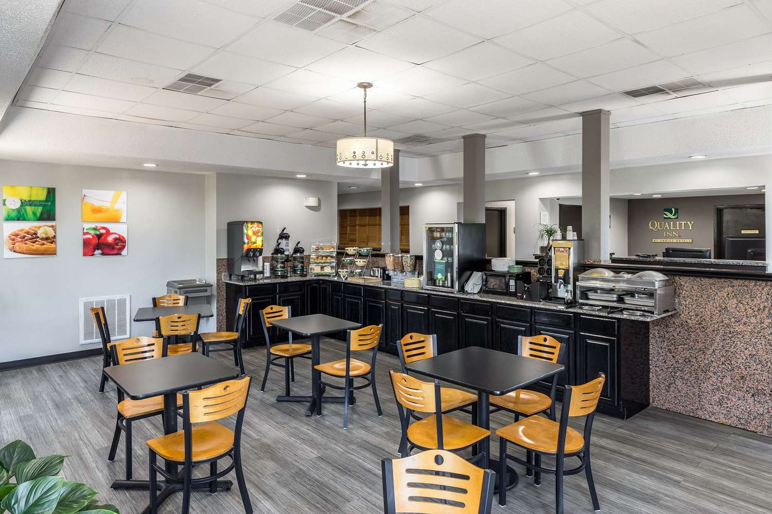 Restaurant - Quality Inn Simpsonville
