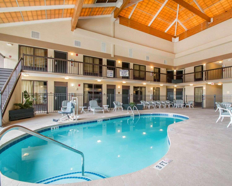 Quality Inn Amp Suites Ridgeland Sc See Discounts