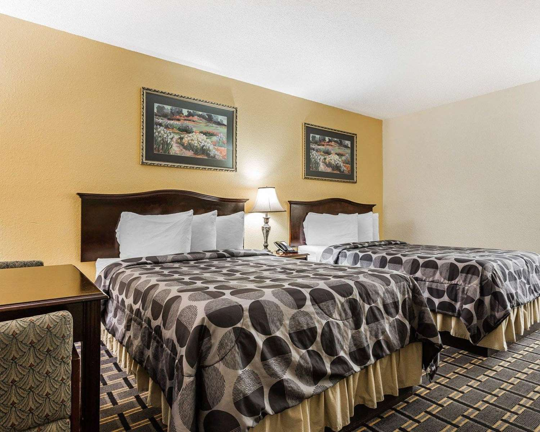 Room - Econo Lodge North Charleston