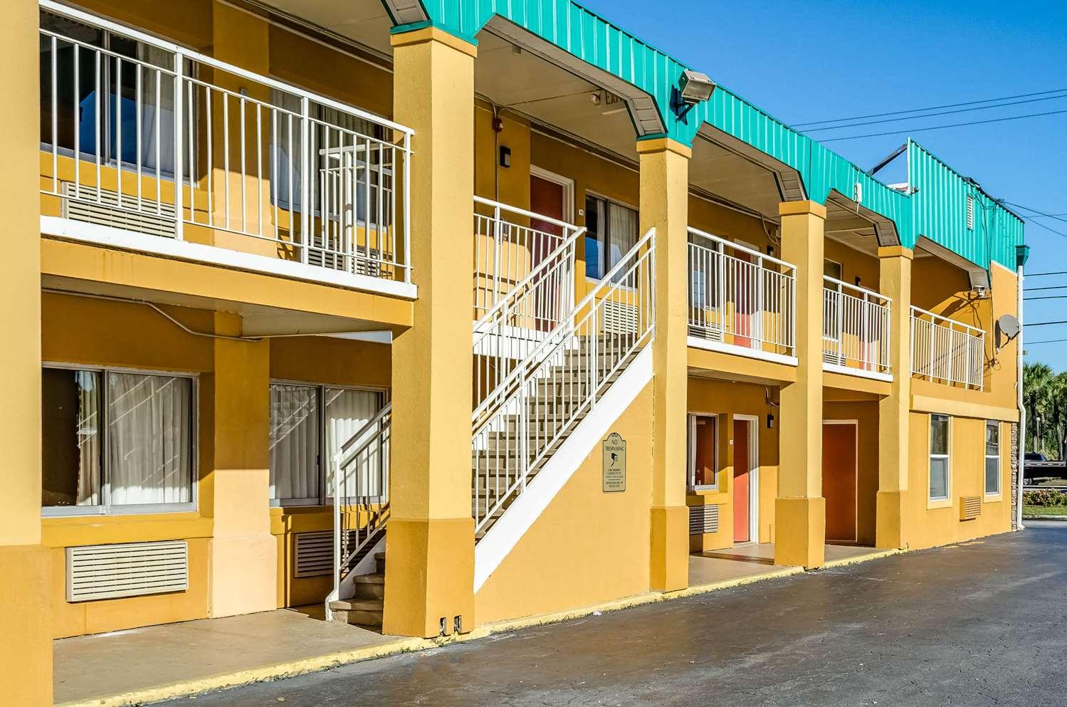 Exterior view - Quality Inn West Ashley Charleston