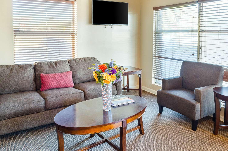 Lobby - Quality Inn West Ashley Charleston