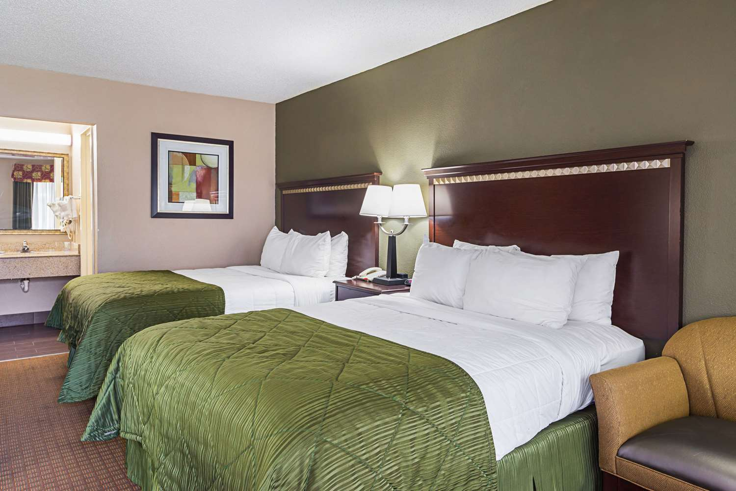 Quality Inn & Suites Haywood Mall Area Greenville, SC ...
