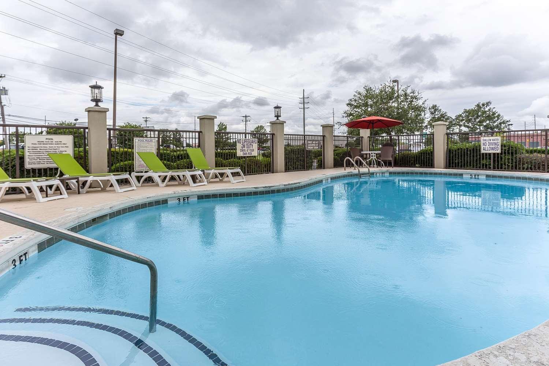 Pool - Comfort Suites Myrtle Beach