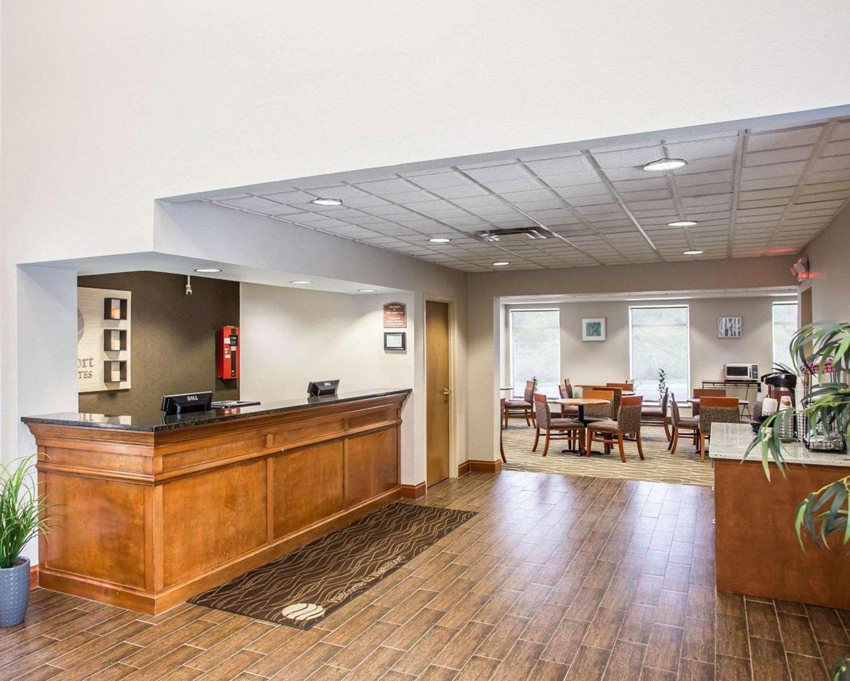 Lobby - Comfort Inn & Suites Walterboro