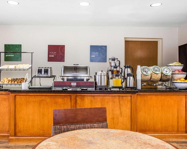 Restaurant - Comfort Inn & Suites Walterboro