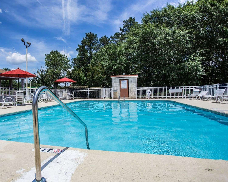 Pool - Quality Inn Columbia