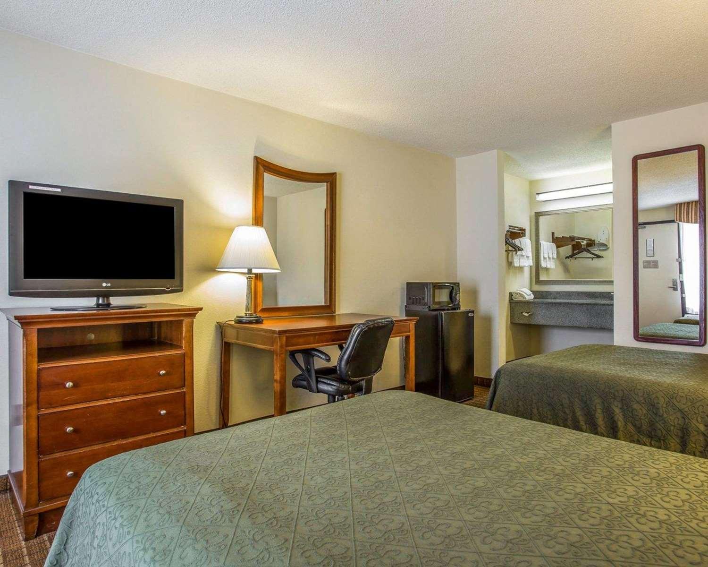 Room - Quality Inn Columbia