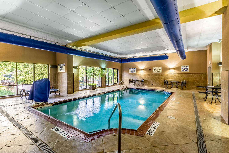 Pool - Comfort Suites Lexington