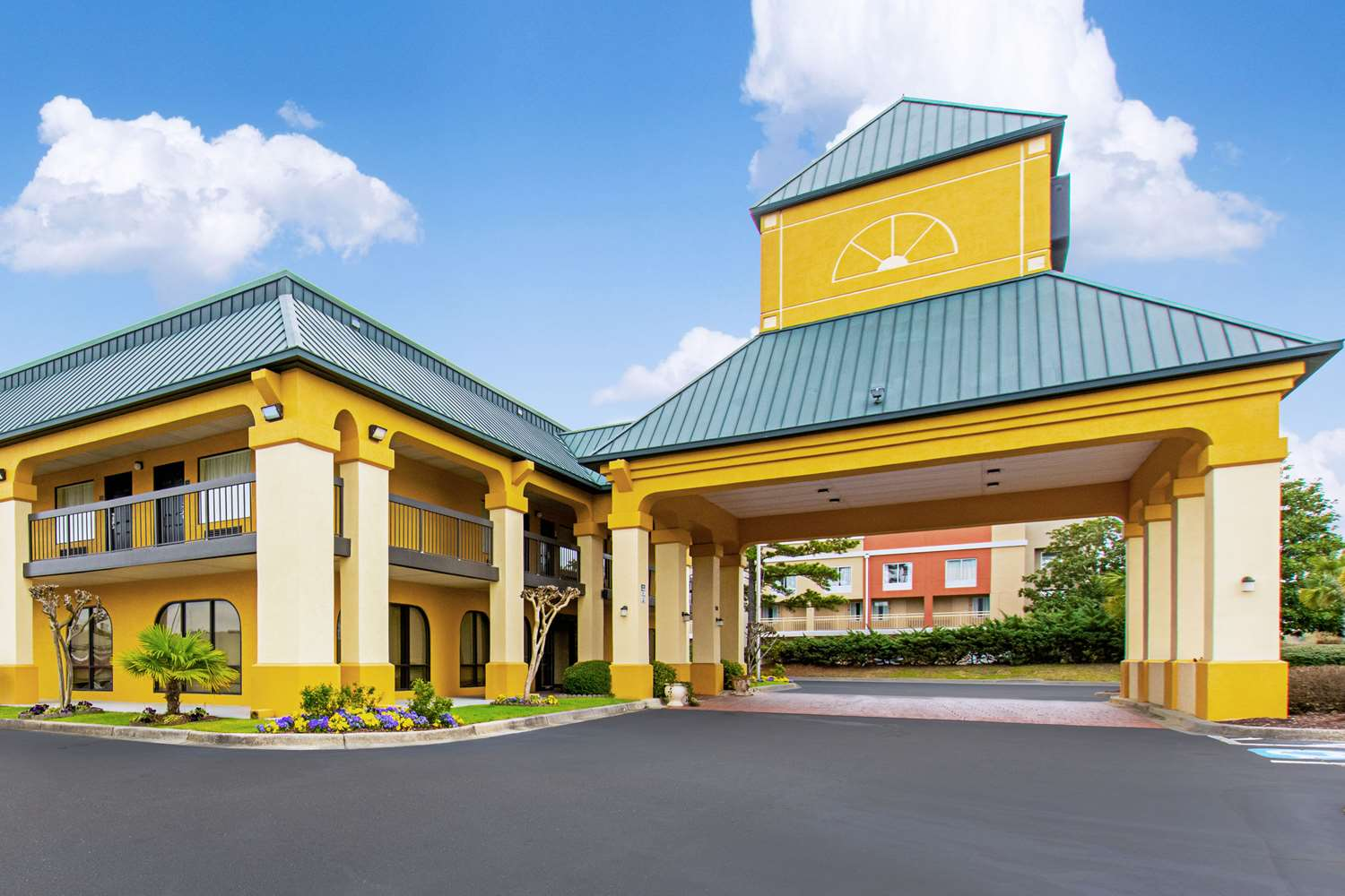 Exterior view - Quality Inn & Suites Civic Center Florence