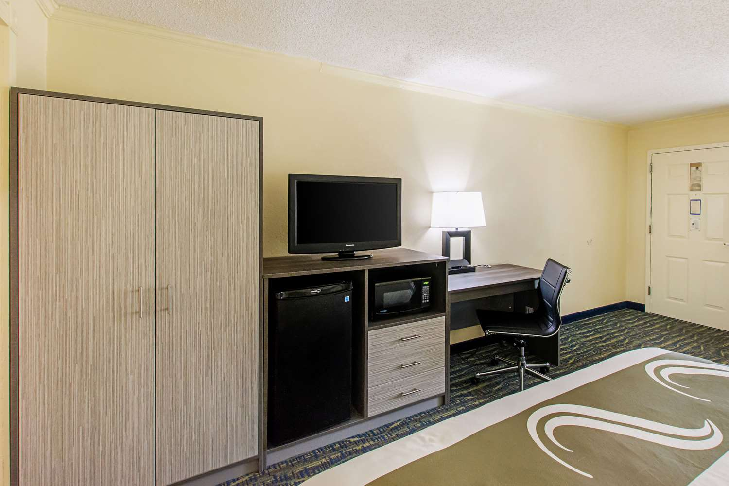 Room - Quality Inn & Suites Civic Center Florence