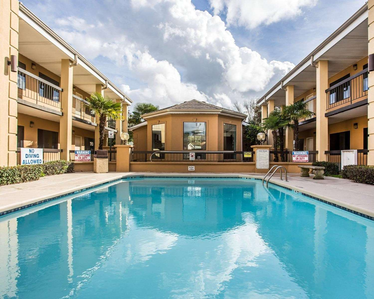 Pool - Suburban Extended Stay Hotel Florence