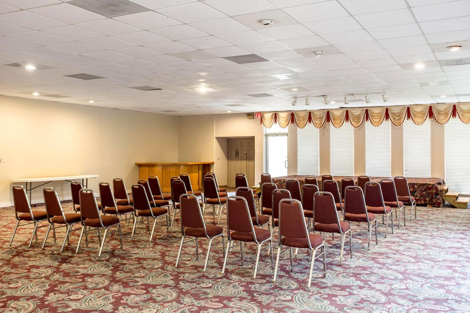 Meeting Facilities - Rodeway Inn & Conference Center Columbia